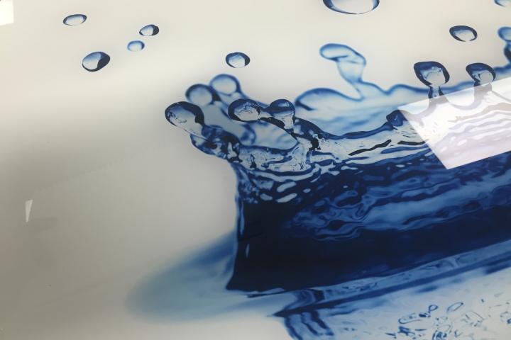Reverse printed glass splash back